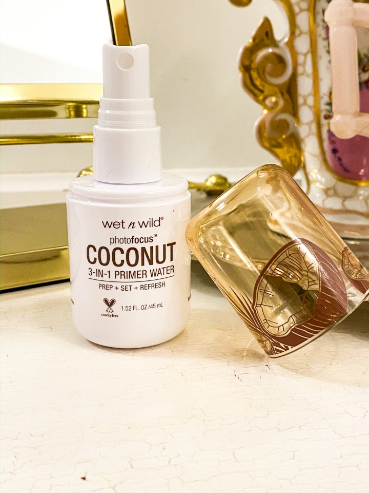 Wet n Wild photo focus 3-in-1 Primer water Coconut