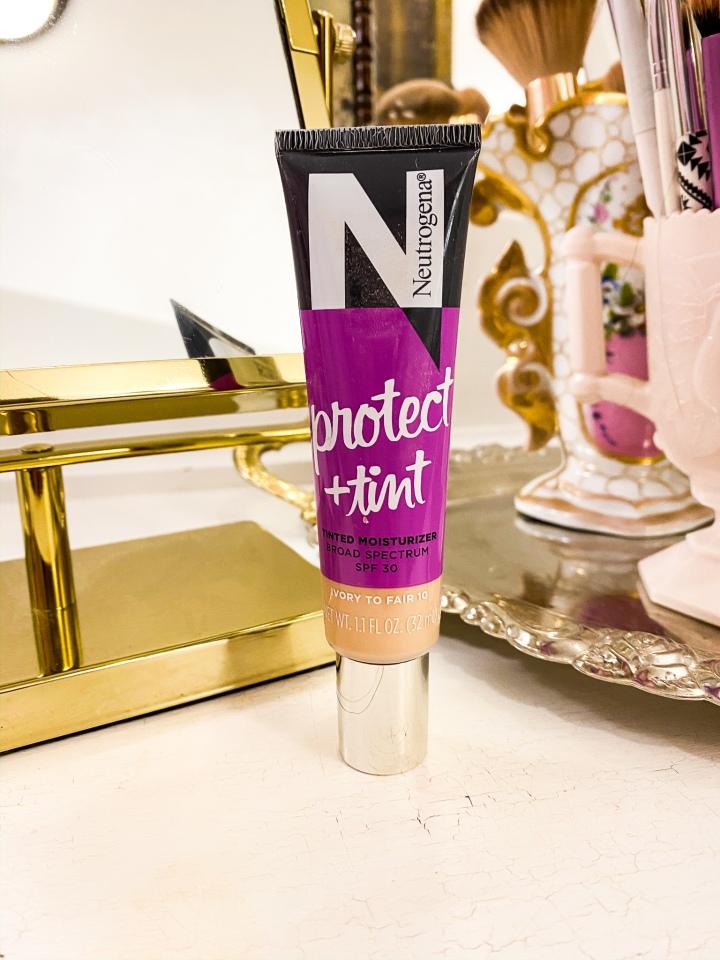neutrogena protect + tint tinted moisturizer SPF30